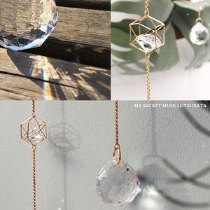 큐브 크리스탈 썬캐쳐 [crystal cube gold chain suncatcher]
